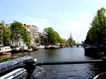 Kanal i Amsterdam - Foto taget av Damien Doyle