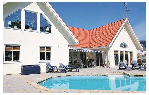 Hus med pool på Gotland