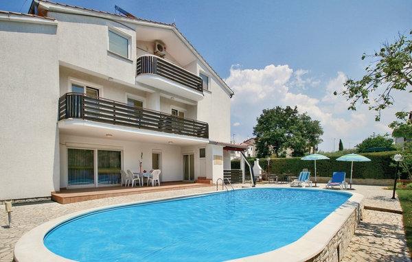Hus med pool i Kroatien