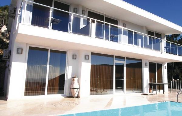 Hus med pool i Turkiet