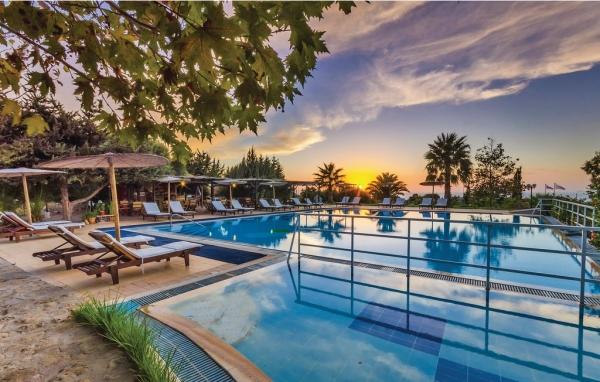 Hus med pool i Rhodos