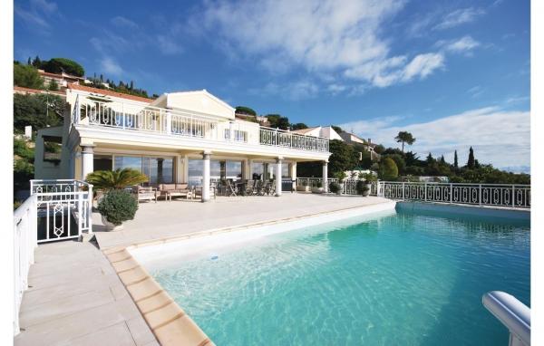 Hus med pool i Frankrike