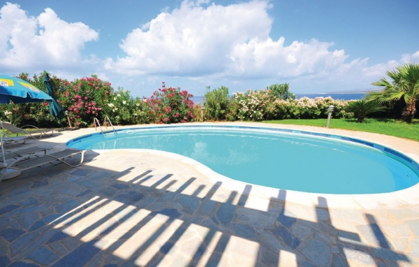Hus med pool på Cypern