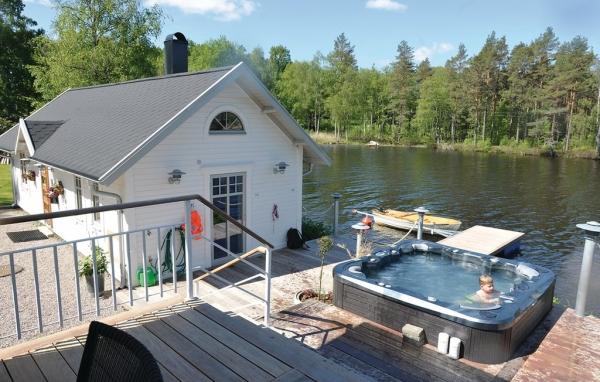 Hyra hus med bubbelpool i Småland